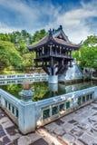 Um pagode da coluna, Hanoi, Vietname foto de stock