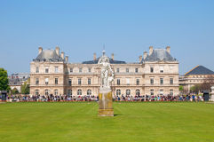 Um palácio no parque de Luxemburgo Fotos de Stock Royalty Free