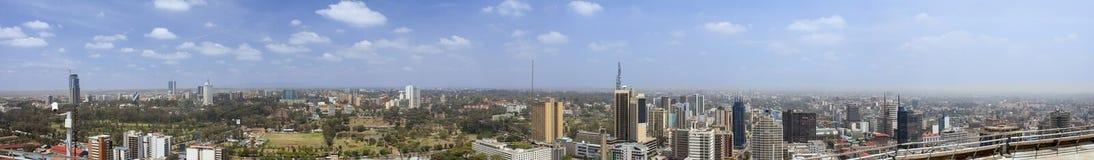 um panorama de 270 graus de Nairobi imagens de stock
