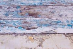Um papel de parede com texturas de madeira como um fundo Imagem de Stock Royalty Free