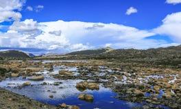 Um par água da nuvem fotografia de stock