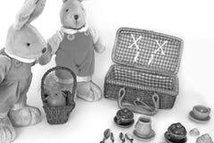 Um par de lebres macias do brinquedo bonito fotografia de stock royalty free