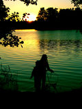 Um par pelo lake2 foto de stock