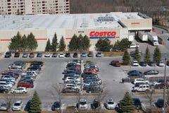 Um parque de estacionamento completo de costco em um dia ocupado da compra de sábado Foto de Stock Royalty Free