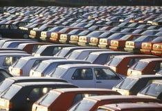 Um parque de estacionamento de carros importados em Nova Scotia fotos de stock royalty free