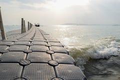 Um passeio à beira mar plástico Fotografia de Stock