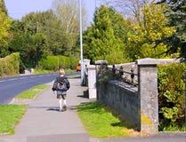 Um passeio novo do menino dos anos de idade seis Fotos de Stock Royalty Free