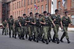 Um pelotão de fuzileiros navais Fotografia de Stock