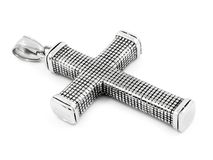 Um pendente de aço de uma cruz no pescoço - de aço inoxidável Foto de Stock Royalty Free
