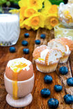 Pequeno almoço desarrumado do ovo Fotografia de Stock