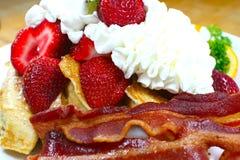 Um pequeno almoço delicioso e saudável Imagem de Stock
