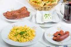 Um pequeno almoço entusiasta Foto de Stock Royalty Free
