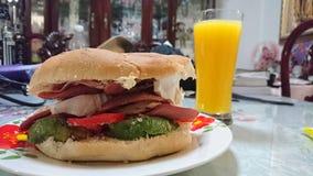 Um pequeno almoço grande fotografia de stock