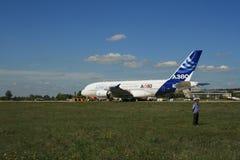 Um plano novo de Airbus A-380 prepara-se para descolar Fotos de Stock