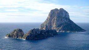 Um por do sol bonito na ilha de Es Vedra, Ibiza fotografia de stock