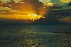 Um por do sol colorido Imagem de Stock
