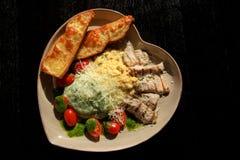 Um prato dos vegetais e da carne Fotografia de Stock