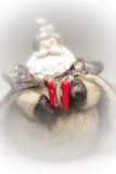 Um presente de Santa Claus Fumo branco fotografia de stock royalty free