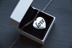 Um presente do dia de Valentim Imagens de Stock