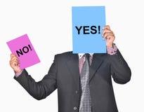 Um profissional com Yes & nenhuns sinais à disposição Imagens de Stock