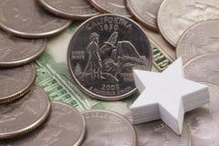 Um quarto de Califórnia, quartos dos EUA e estrela branca imagens de stock royalty free