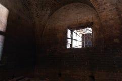 Um raio de luz através da janela Imagens de Stock