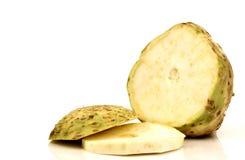 Um raiz de aipo fresca e cortada Imagem de Stock