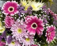 Um ramalhete bonito, variedade de flores Foto de Stock Royalty Free
