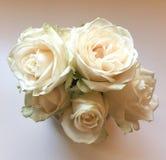 Um ramalhete das rosas brancas Imagem de Stock