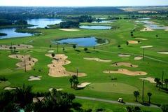 Um recurso do campo de golfe Fotos de Stock Royalty Free