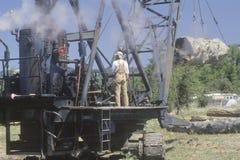 Um reenactment do 19o século da indústria de registo em um moinho em Willits, Califórnia da madeira serrada Imagens de Stock