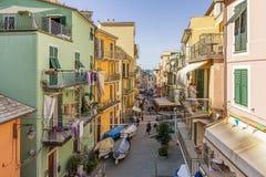 Um relance do centro histórico de Manarola, Cinque Terre, Liguria, Itália imagem de stock