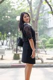 Um retrato de uma mulher de negócio asiática nova bonita imagens de stock