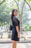 Um retrato de uma mulher de negócio asiática nova bonita foto de stock royalty free