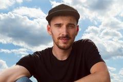 Um retrato do indivíduo com o tampão Foto de Stock