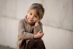 Um retrato do menino bonito Imagens de Stock
