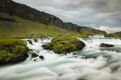 Um rio em Islândia do sul Foto de Stock