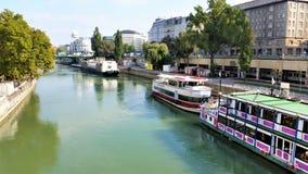 Um rio em Viena fotos de stock royalty free