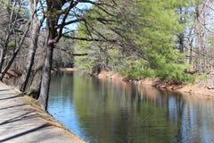 Um rio imóvel Fotografia de Stock Royalty Free