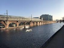 Um rio que joga com o sol II Imagens de Stock