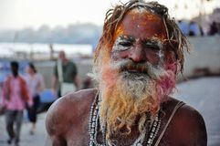 Um sadhu em Varanasi, Índia Imagens de Stock Royalty Free