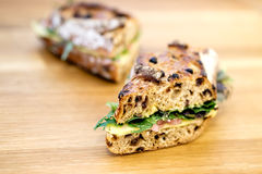 Um sanduíche rústico delicioso do supermercado fino Imagem de Stock Royalty Free