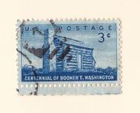 Um selo postal americano azul velho que comemora o centennial do booker afro-americano t Washington do autor em 1956 fotos de stock royalty free