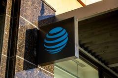 Um sinal de construção para AT&T imagem de stock royalty free