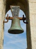 Um sino em uma torre de sino Fotos de Stock