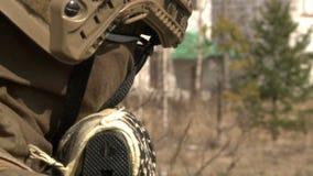 Um soldado vídeos de arquivo