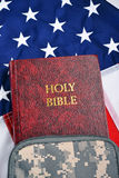 Um soldado Bible Fotos de Stock Royalty Free
