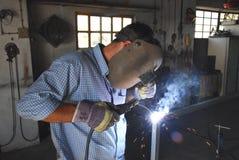 Um soldador do mecânico Imagem de Stock
