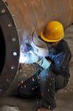 Um soldador está funcionando Imagem de Stock Royalty Free