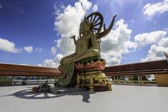 Um staue da Buda em Koh Samui imagens de stock